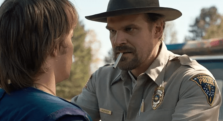 stranger-things-placement-produit-tabac-cigarettes-fumer-david-harbour-cinema